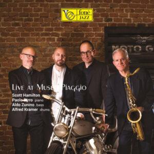 آلبوم موسیقی Live at Museo Piaggio اثری از Scott Hamilton